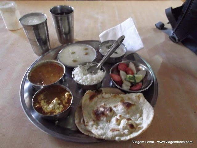 Dieta low-carb, paleo, cetogênica e jejum intermitente em Rishikeshi, Índia