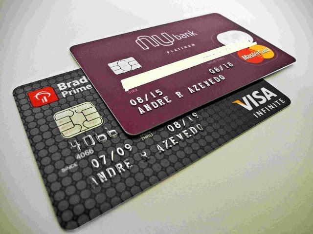 Nubank e Infinite: cartão de crédito com milhagens a anuidade vale a pena?