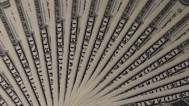 Comprar dólar: mini-contratos, contratos futuros ou fundos de investimentos?